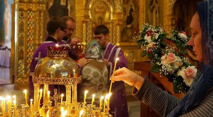 Обычай ставить свечу в Церкви. Что он означает?