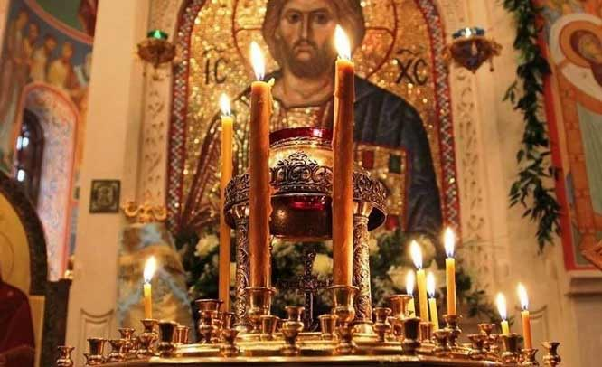 Как правильно и по какому поводу надо ставить свечи в церкви