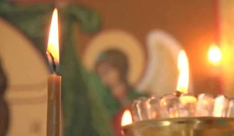 Как правильно ставить свечи в церкви: суеверия